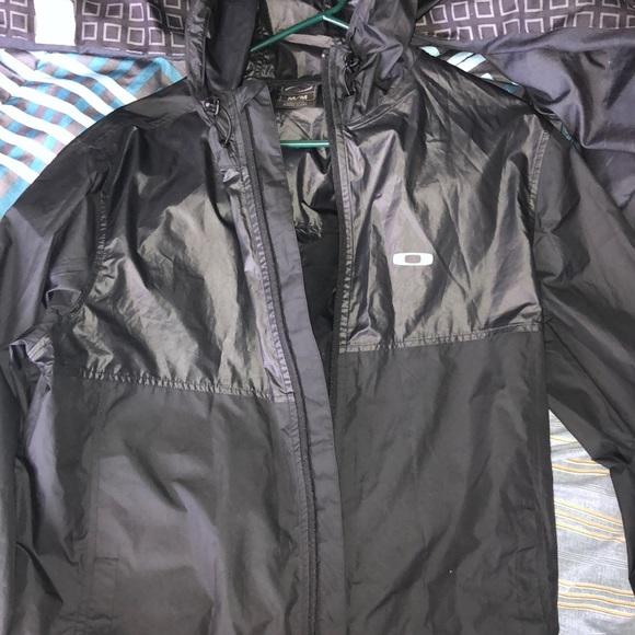 6bd82a55a4316 Oakley Rain jacket. M 5c422f712e1478d0ddf82b57. Other Jackets   Coats ...